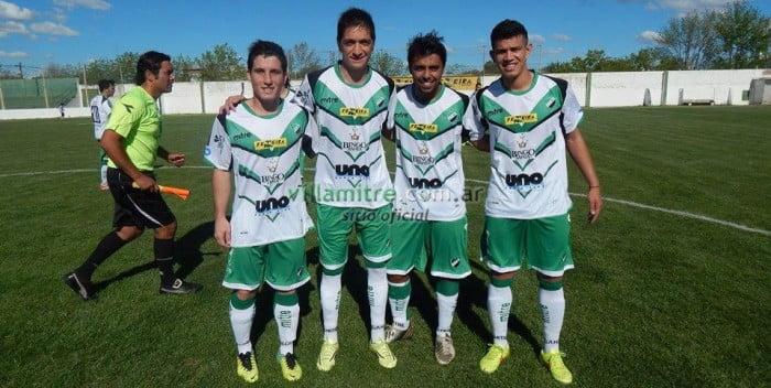 Renovaron el contrato los jugadores Nicolas Manchado, Adrián Mora, y Héctor González. Foto: FACEBOOK OFICIAL VILLA MITRE