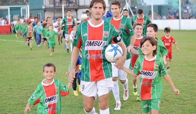 Resultado de imagen para agropecuario argentino urquijo interior futbolero