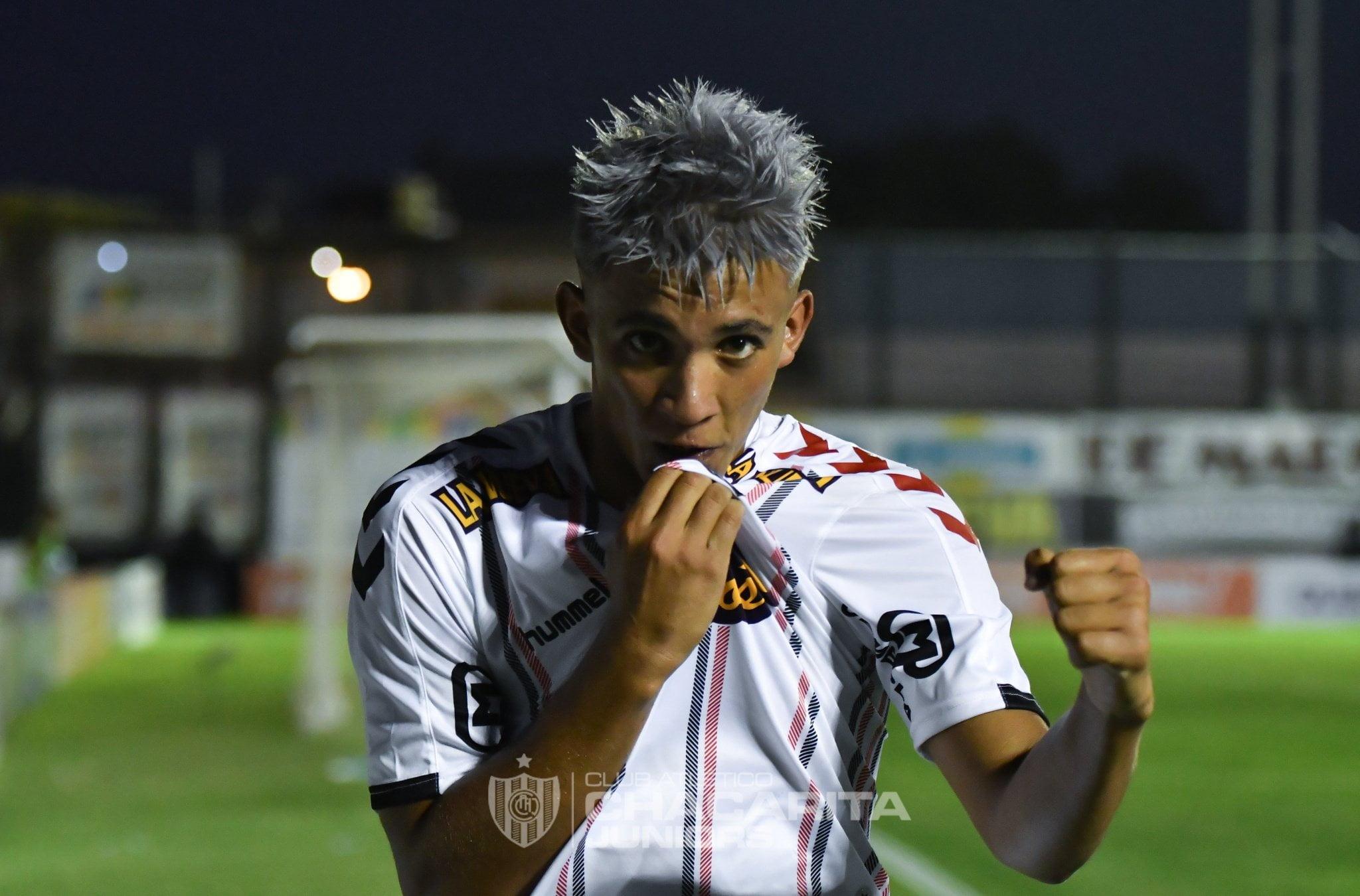 Yair González